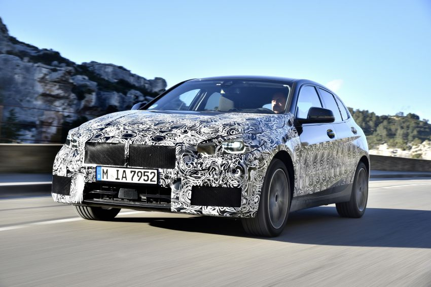 F40 BMW 1 Series previewed – front-wheel drive with more interior space, M135i gets 306 hp and AWD Image #939361