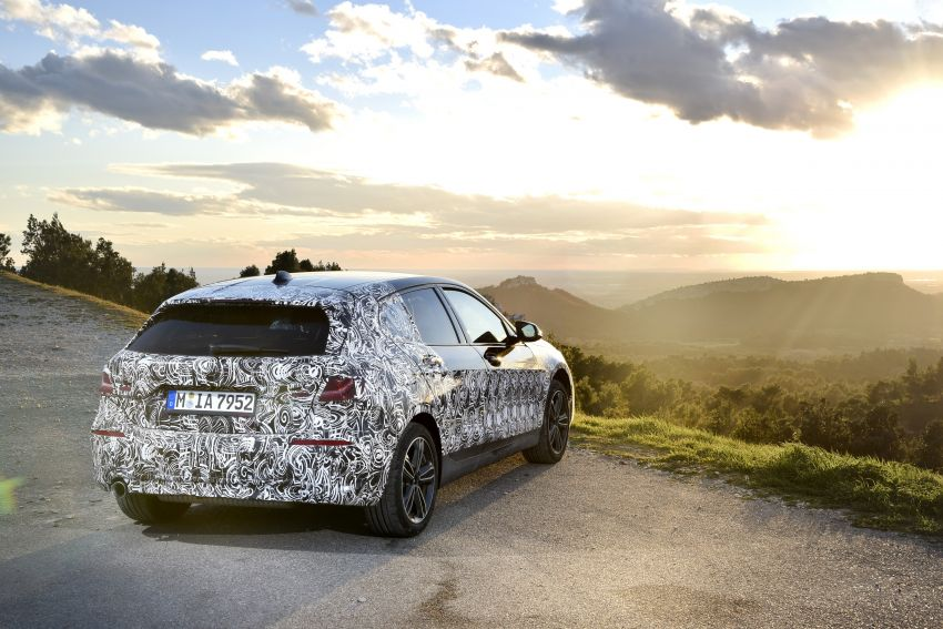 F40 BMW 1 Series previewed – front-wheel drive with more interior space, M135i gets 306 hp and AWD Image #939367