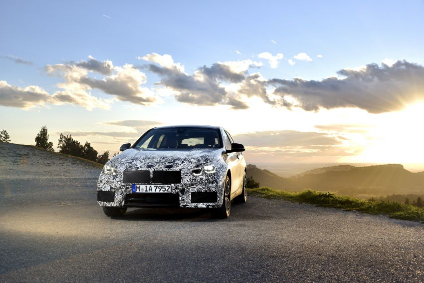 F40 BMW 1 Series previewed – front-wheel drive with more interior space, M135i gets 306 hp and AWD Image #939368