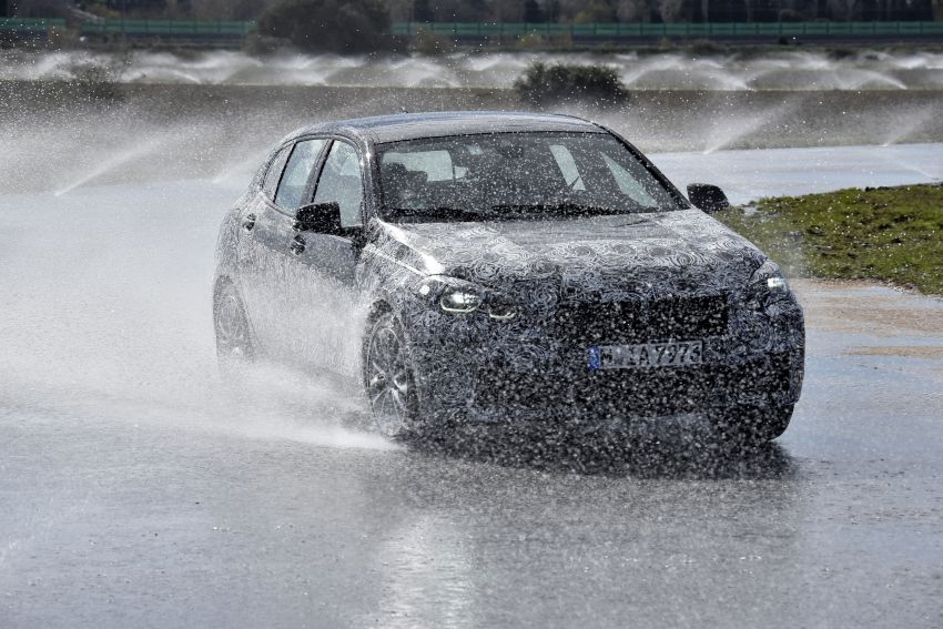 F40 BMW 1 Series previewed – front-wheel drive with more interior space, M135i gets 306 hp and AWD Image #939369