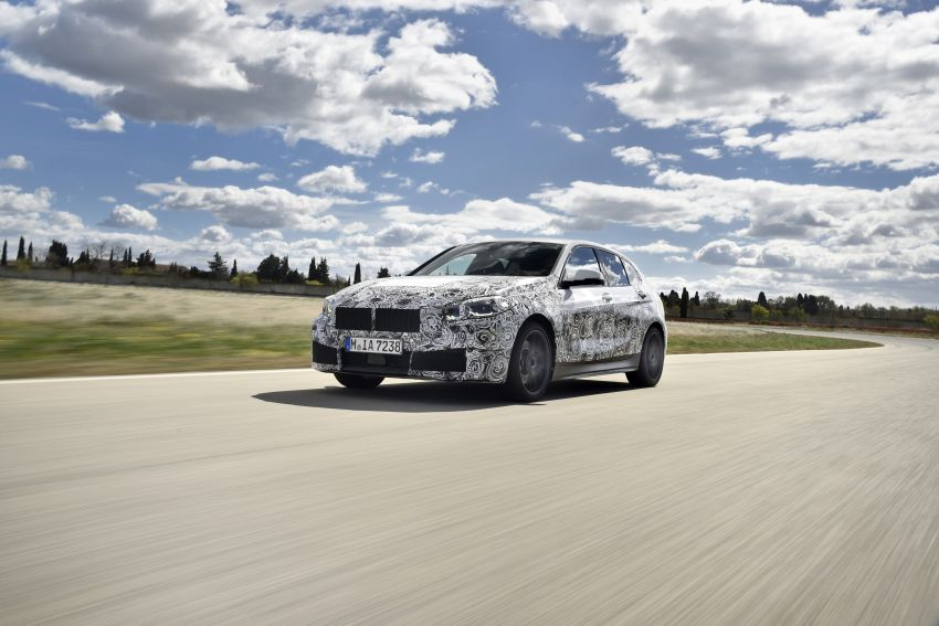 F40 BMW 1 Series previewed – front-wheel drive with more interior space, M135i gets 306 hp and AWD Image #939375