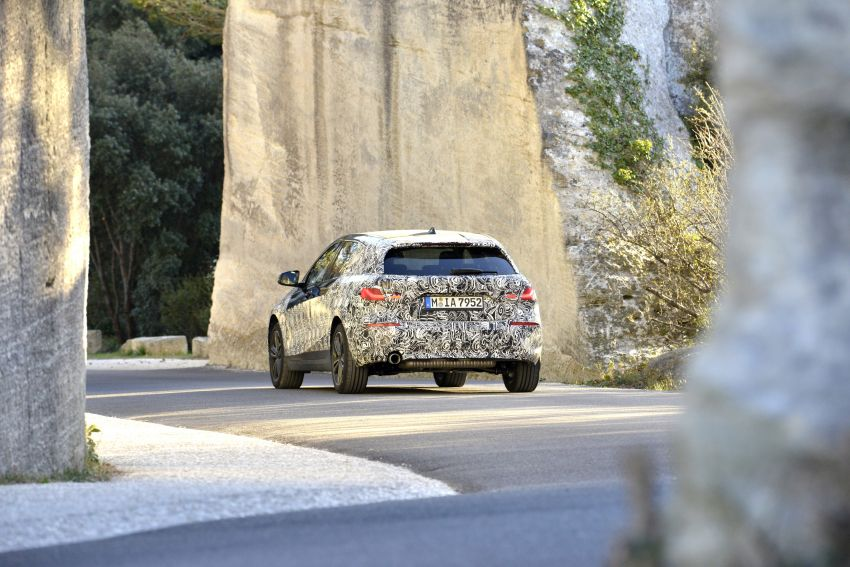 F40 BMW 1 Series previewed – front-wheel drive with more interior space, M135i gets 306 hp and AWD Image #939382
