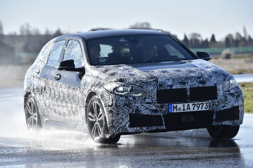 F40 BMW 1 Series previewed – front-wheel drive with more interior space, M135i gets 306 hp and AWD Image #939353