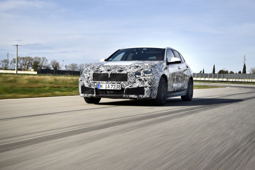 F40 BMW 1 Series previewed – front-wheel drive with more interior space, M135i gets 306 hp and AWD Image #939357
