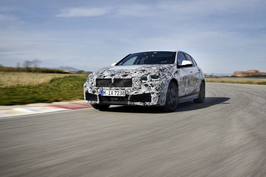 F40 BMW 1 Series previewed – front-wheel drive with more interior space, M135i gets 306 hp and AWD Image #939358