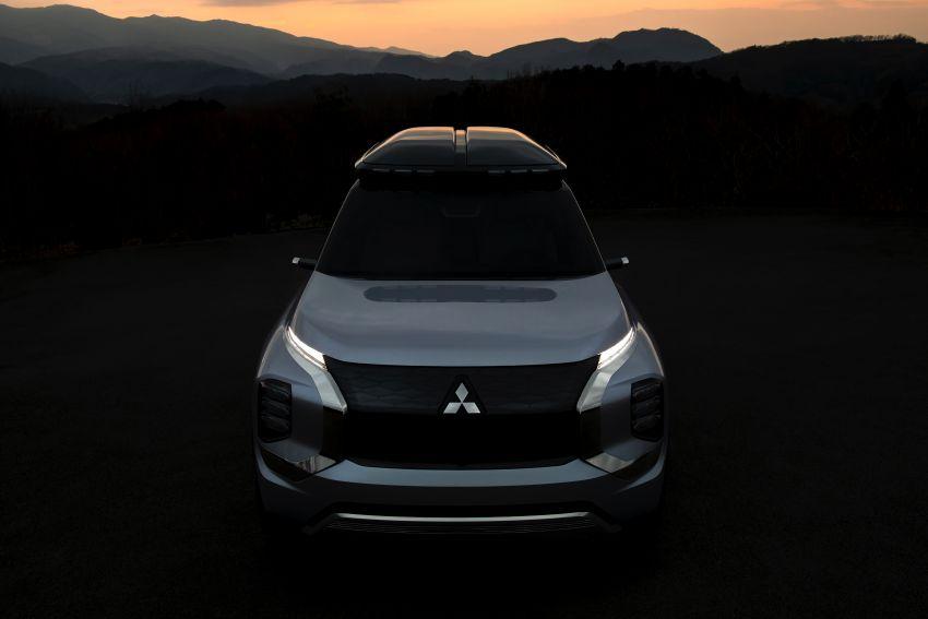 Mitsubishi Engelberg Tourer – PHEV SUV concept with 20 kWh battery, 70 km EV range, 700 km combined Image #932199
