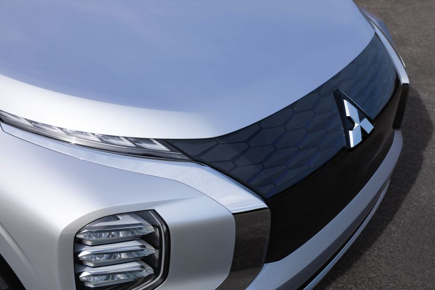 Mitsubishi Engelberg Tourer – PHEV SUV concept with 20 kWh battery, 70 km EV range, 700 km combined Image #932200