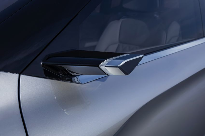 Mitsubishi Engelberg Tourer – PHEV SUV concept with 20 kWh battery, 70 km EV range, 700 km combined Image #932202