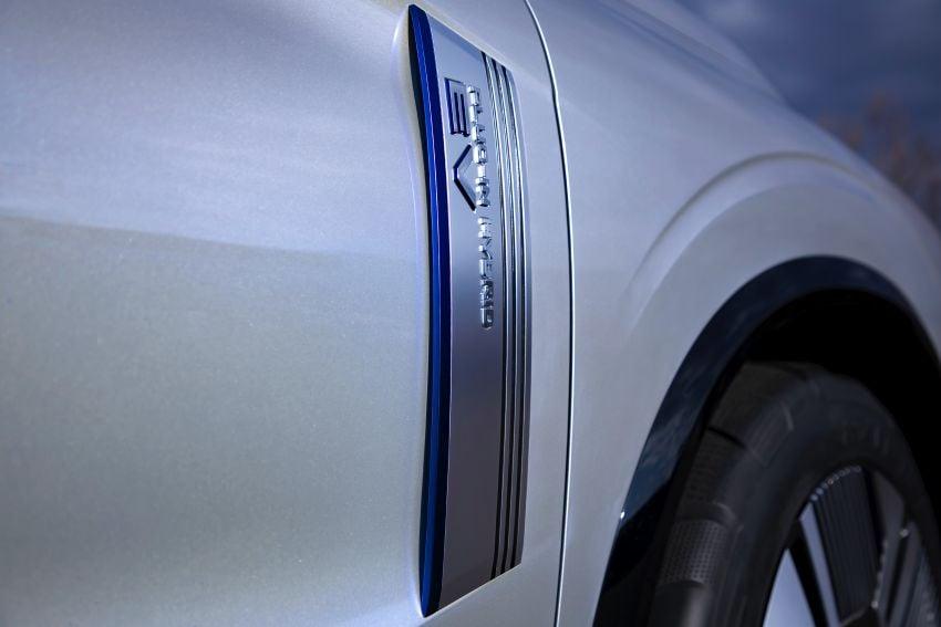 Mitsubishi Engelberg Tourer – PHEV SUV concept with 20 kWh battery, 70 km EV range, 700 km combined Image #932203