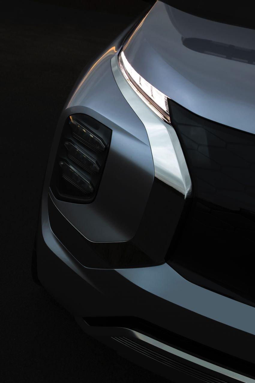 Mitsubishi Engelberg Tourer – PHEV SUV concept with 20 kWh battery, 70 km EV range, 700 km combined Image #932205