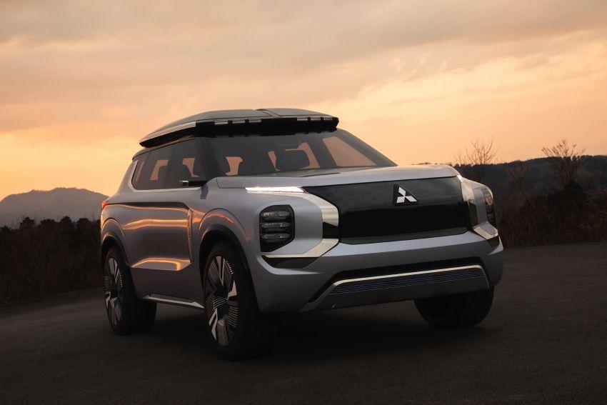 Mitsubishi Engelberg Tourer – PHEV SUV concept with 20 kWh battery, 70 km EV range, 700 km combined Image #932207