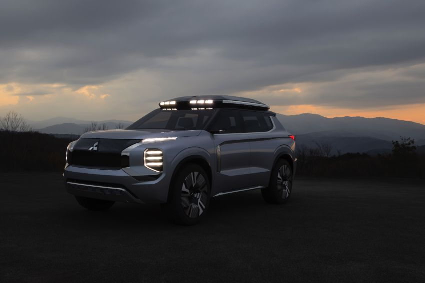 Mitsubishi Engelberg Tourer – PHEV SUV concept with 20 kWh battery, 70 km EV range, 700 km combined Image #932209