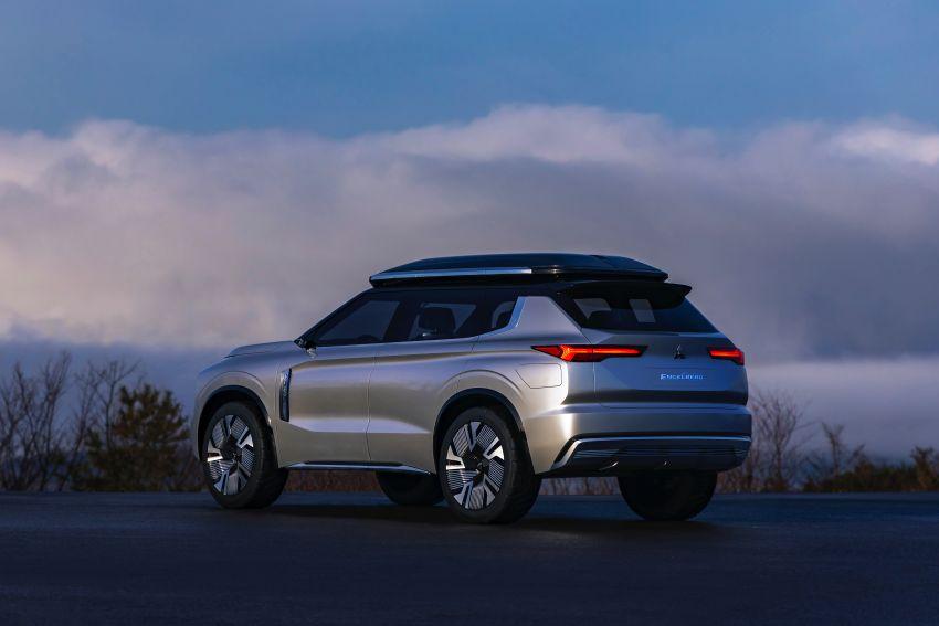 Mitsubishi Engelberg Tourer – PHEV SUV concept with 20 kWh battery, 70 km EV range, 700 km combined Image #932210