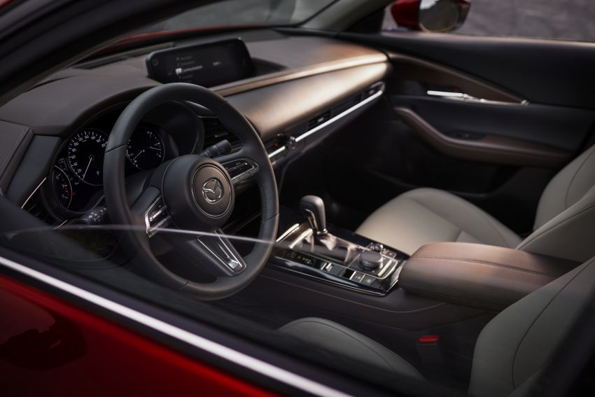 Mazda CX-30 makes its debut at Geneva Motor Show – new SUV is positioned between the CX-3 and CX-5 Image #930059