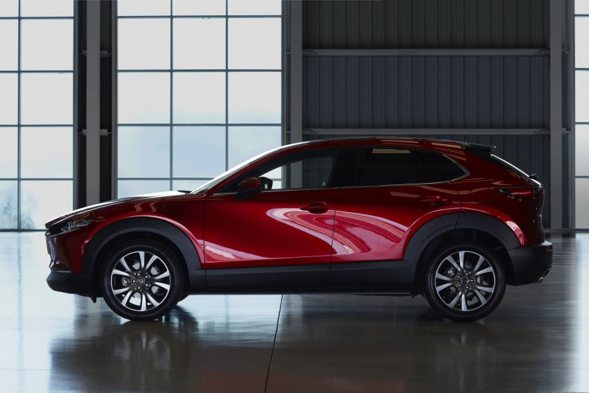 Mazda CX-30 makes its debut at Geneva Motor Show – new SUV is positioned between the CX-3 and CX-5 Image #930045
