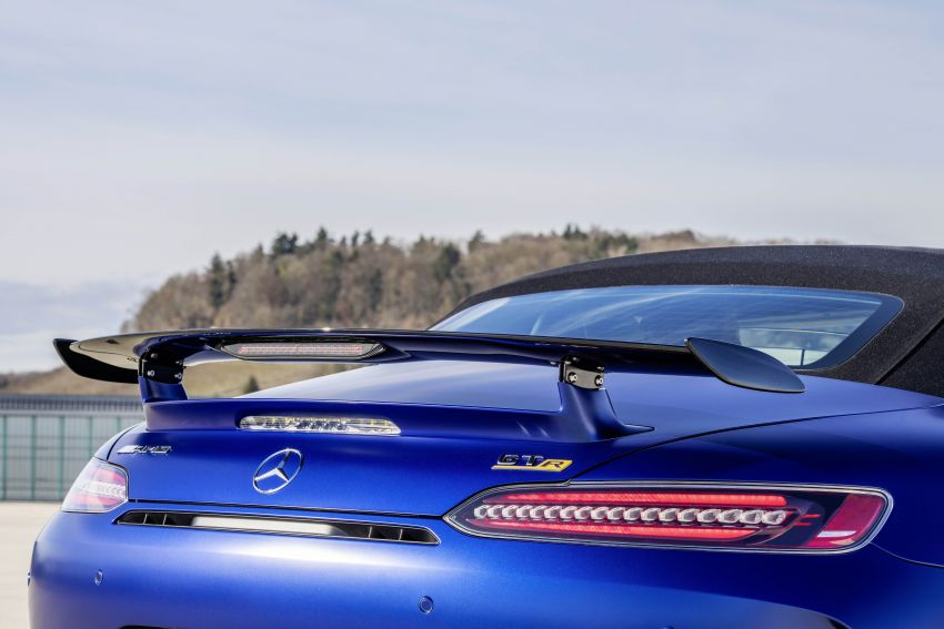 Mercedes-AMG GT R Roadster debuts – only 750 units Image #929392