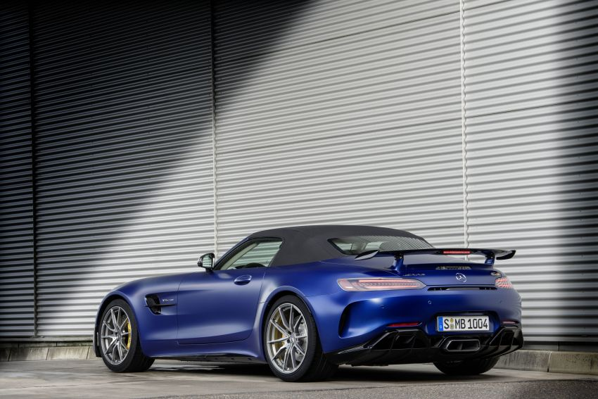 Mercedes-AMG GT R Roadster debuts – only 750 units Image #929363