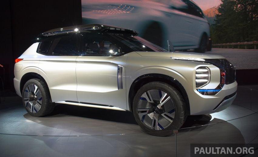 Mitsubishi Engelberg Tourer – PHEV SUV concept with 20 kWh battery, 70 km EV range, 700 km combined Image #932220