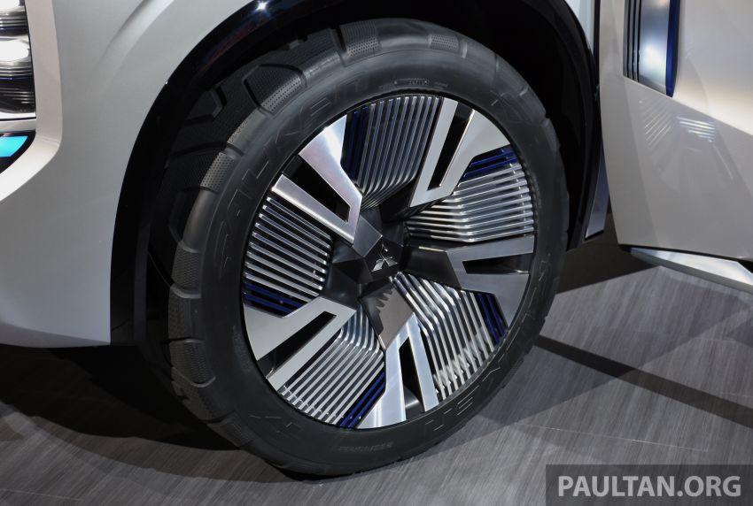 Mitsubishi Engelberg Tourer – PHEV SUV concept with 20 kWh battery, 70 km EV range, 700 km combined Image #932230