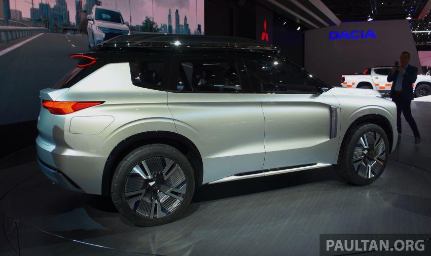 Mitsubishi Engelberg Tourer – PHEV SUV concept with 20 kWh battery, 70 km EV range, 700 km combined Image #932225