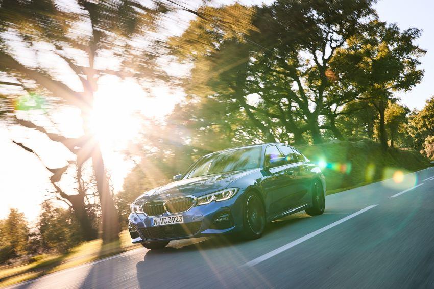 BMW 3 Series G20 dilancarkan di M'sia – 330i M Sport, 2.0L TwinPower, 258 hp/400 Nm, harga RM328,800 Image #939821