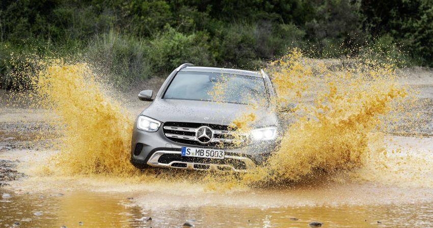 Mercedes-Benz GLC X253 <em>facelift</em> ditunjuk – enjin <em>mild hybrid</em> baru dengan sistem infotainmen MBUX Image #928284