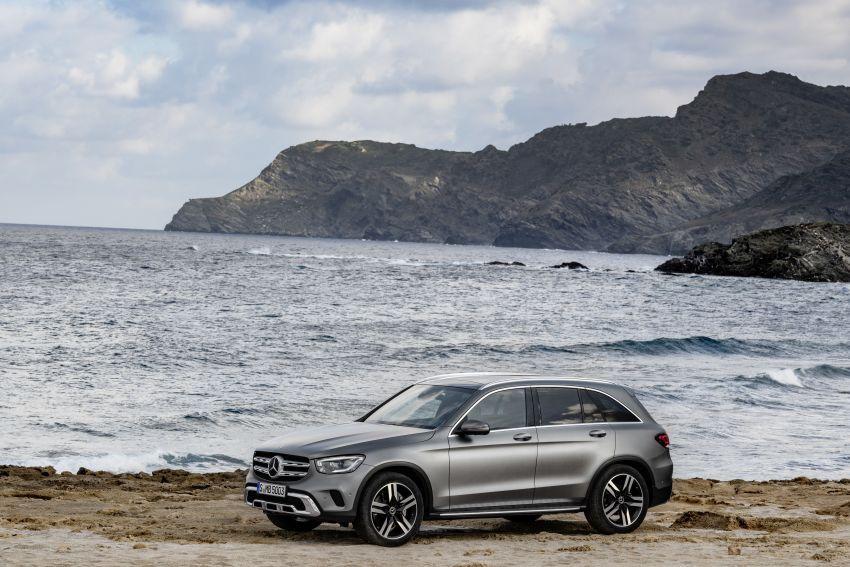 Mercedes-Benz GLC X253 <em>facelift</em> ditunjuk – enjin <em>mild hybrid</em> baru dengan sistem infotainmen MBUX Image #928288