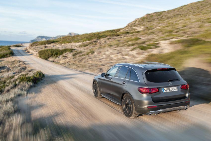 Mercedes-Benz GLC X253 <em>facelift</em> ditunjuk – enjin <em>mild hybrid</em> baru dengan sistem infotainmen MBUX Image #928295