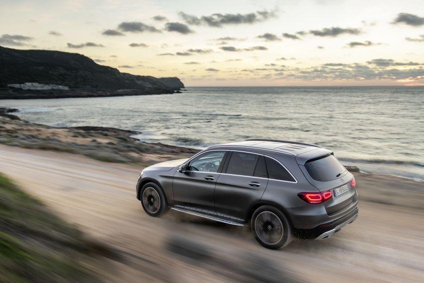 Mercedes-Benz GLC X253 <em>facelift</em> ditunjuk – enjin <em>mild hybrid</em> baru dengan sistem infotainmen MBUX Image #928296
