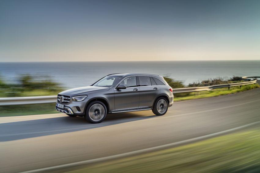 Mercedes-Benz GLC X253 <em>facelift</em> ditunjuk – enjin <em>mild hybrid</em> baru dengan sistem infotainmen MBUX Image #928276