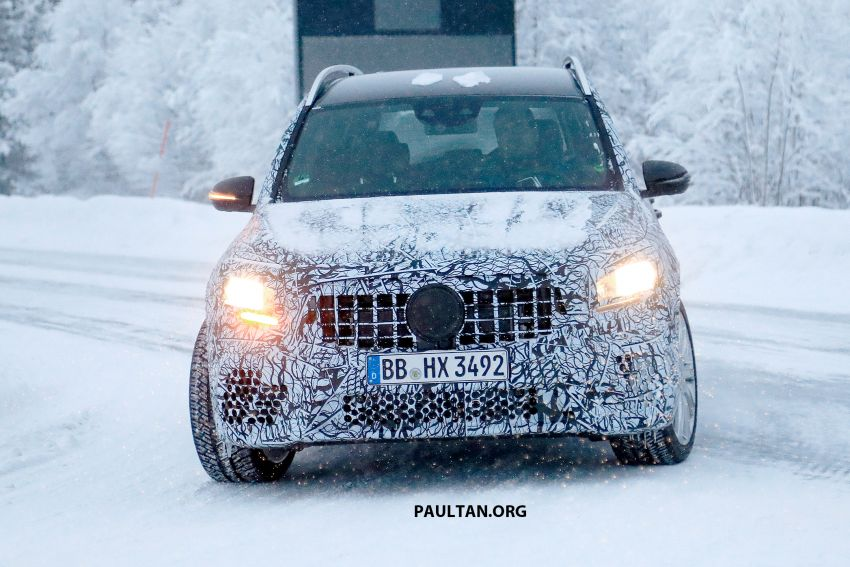 SPIED: Mercedes-AMG GLB35 spotted – 306 hp SUV! Image #941266