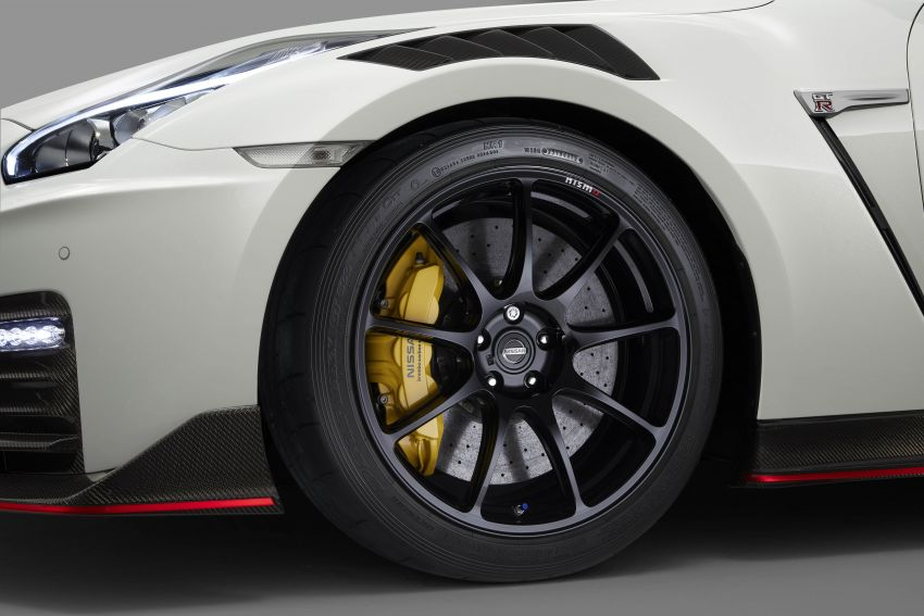 2020 Nissan GT-R Nismo sheds weight, improves grip Image #948688
