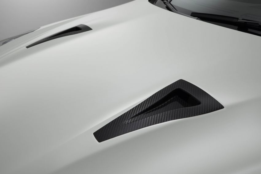 2020 Nissan GT-R Nismo sheds weight, improves grip Image #948690