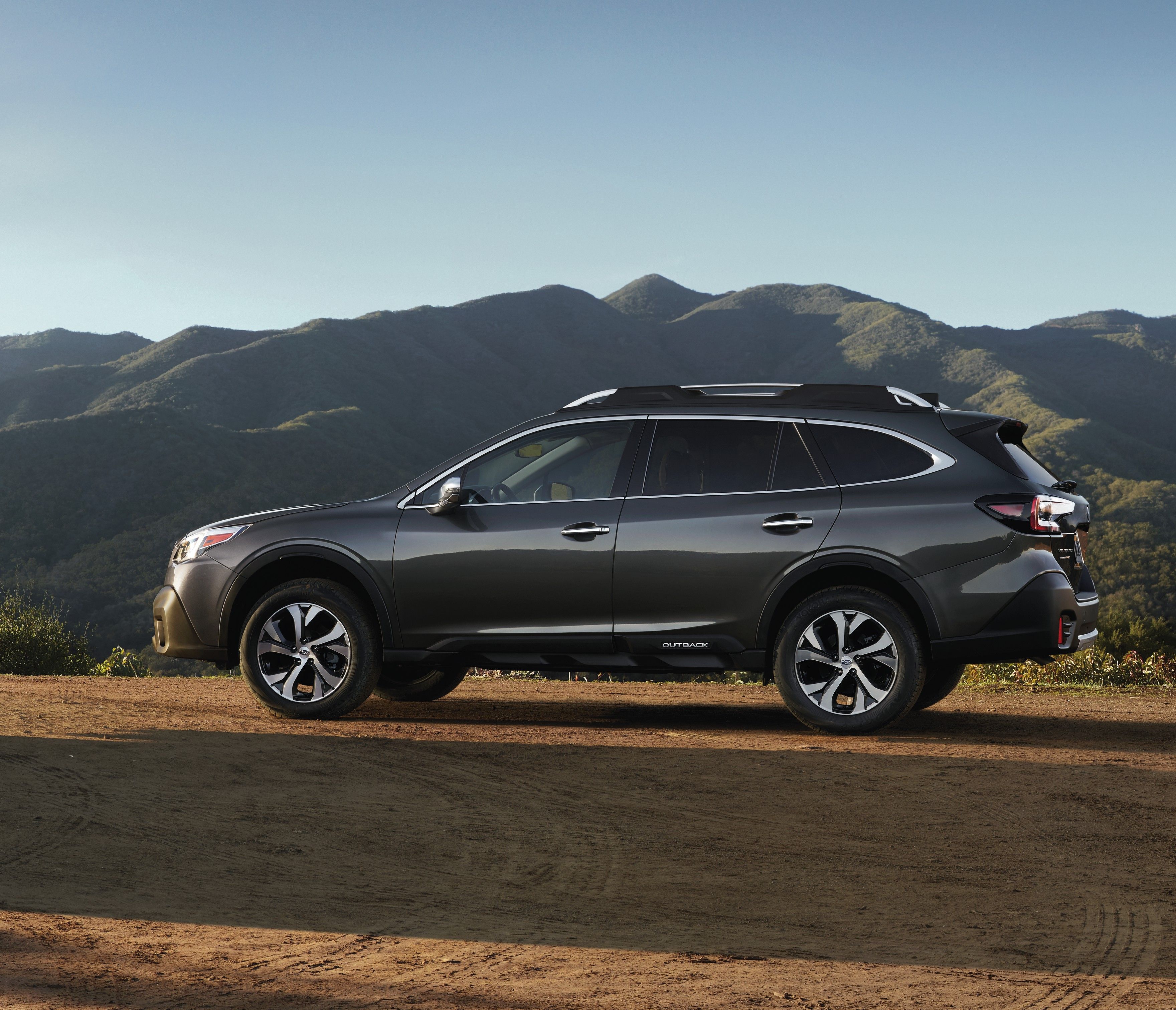 2020 Subaru Outback – sixth-gen unveiled at NYIAS Paul Tan ...