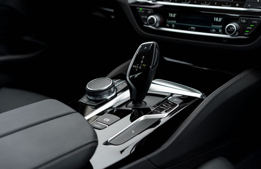 BMW Malaysia introduces G30 BMW 520i Luxury and 530e M Sport variants – RM329k and RM339k Image #953276