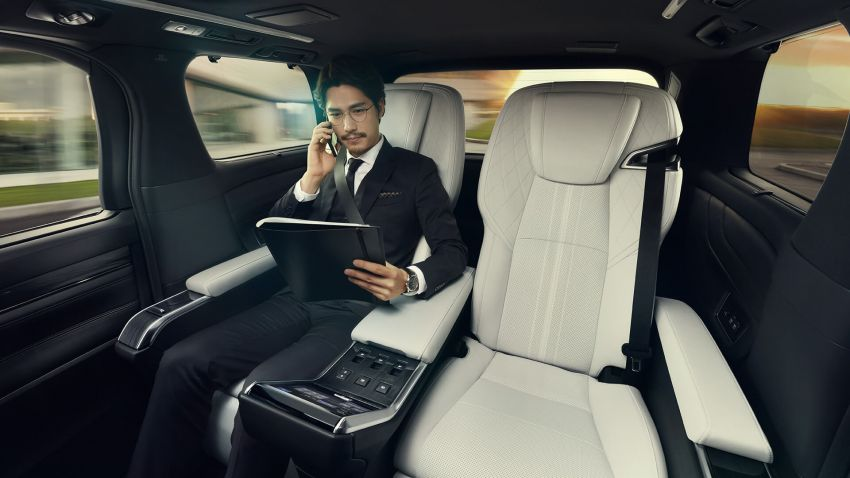 Lexus LM unveiled for Asia – ultimate luxury Alphard Image #948242