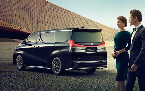 Lexus LM unveiled for Asia – ultimate luxury Alphard Image #948243