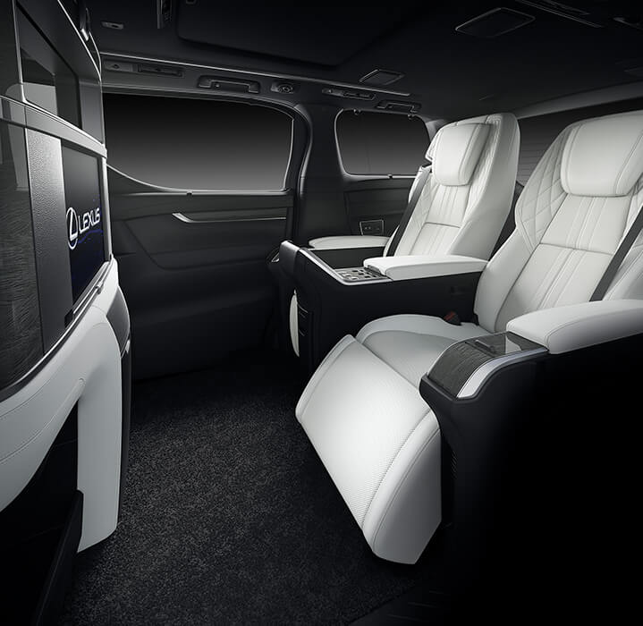 Lexus LM unveiled for Asia – ultimate luxury Alphard Image #948234