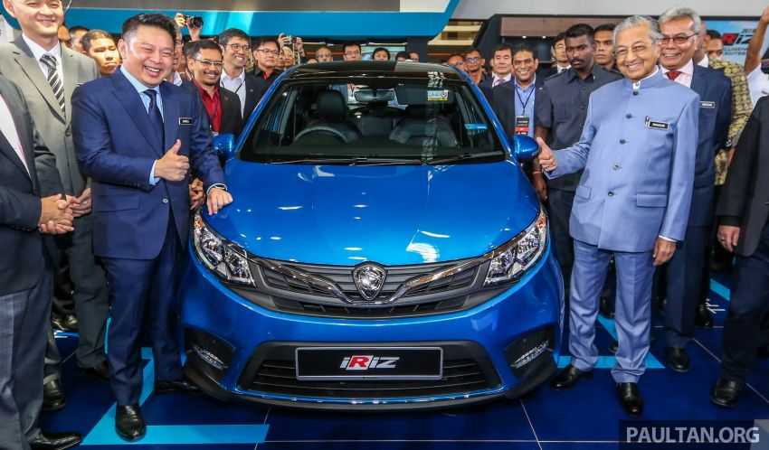 Tun Mahathir unveils 2019 Proton Iriz and Persona facelifts for public debut; over 8,000 bookings so far Image #946411