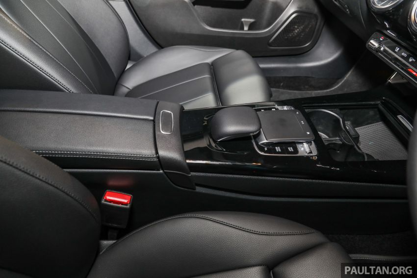 V177 Mercedes-Benz A-Class Sedan launched in Malaysia – A200 and A250 at RM230k and RM268k Image #944562