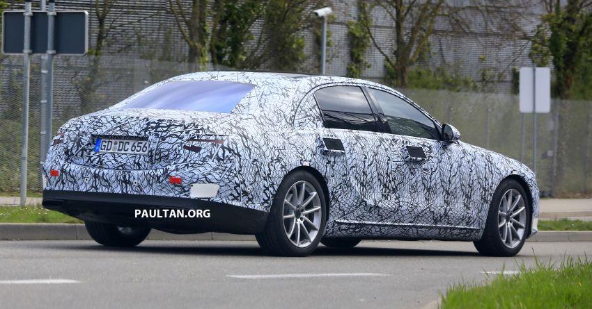 SPIED: W223 Mercedes-Benz S-Class seen in Stuttgart Image #947687