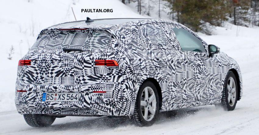 SPIED: Volkswagen Golf Mk8 drops camo, shows face Image #954785