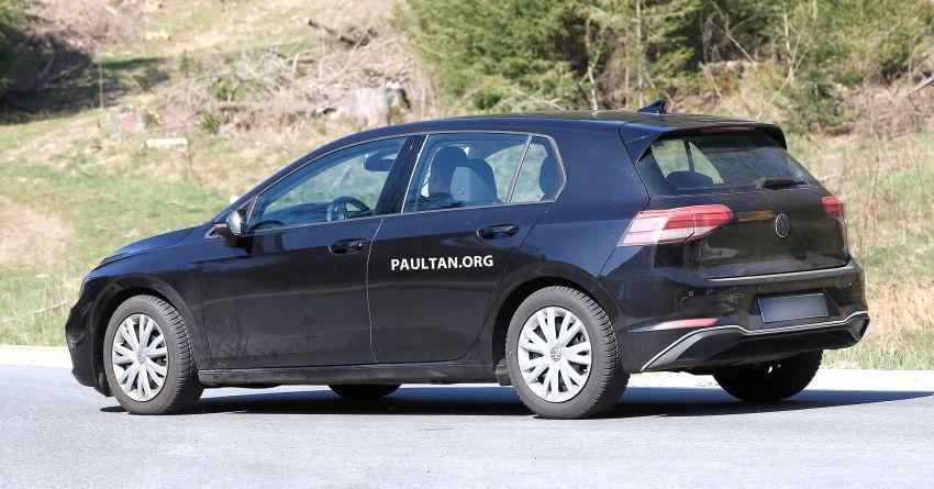 SPIED: Volkswagen Golf Mk8 drops camo, shows face Image #954743