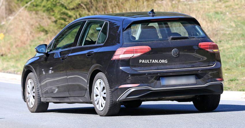 SPIED: Volkswagen Golf Mk8 drops camo, shows face Image #954745
