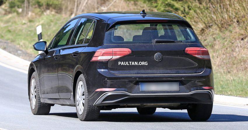SPYSHOT: Volkswagen Golf Mk8 diuji tanpa menyamar Image #955065