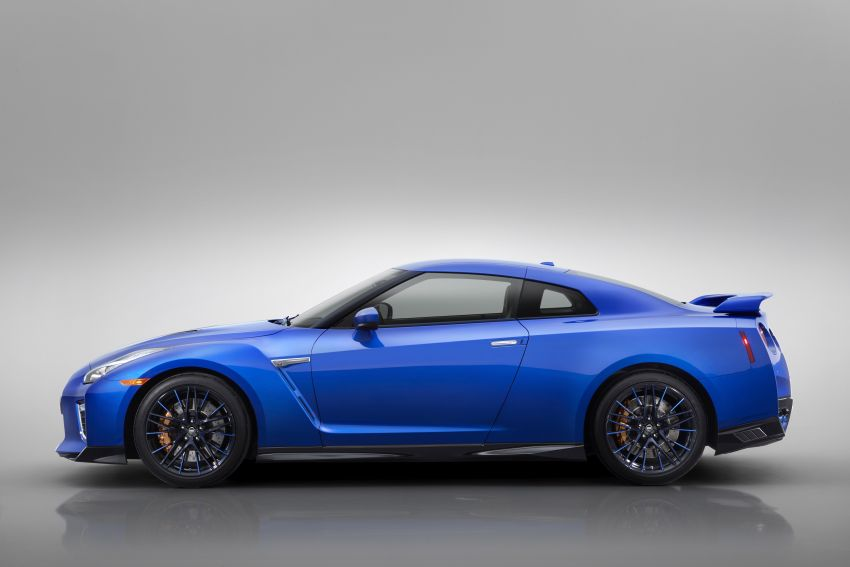Nissan GT-R 50th Anniversary Edition debuts in NY – celebrating half a century of a legendary nameplate Image #948571