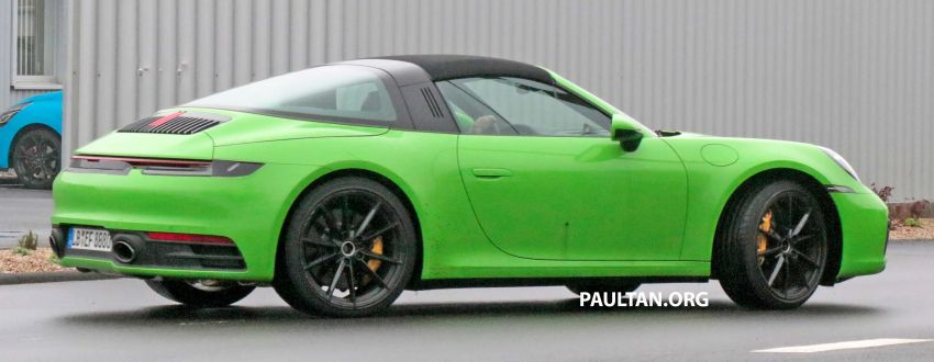 SPIED: 992-gen Porsche 911 Targa on road and 'Ring Image #950953