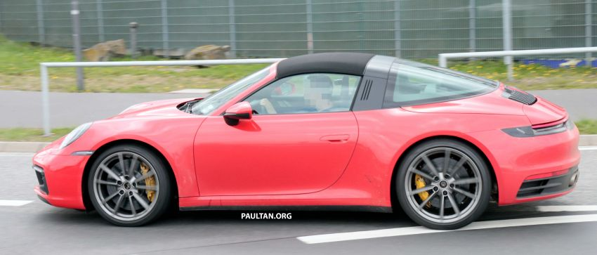 SPIED: 992-gen Porsche 911 Targa on road and 'Ring Image #950988