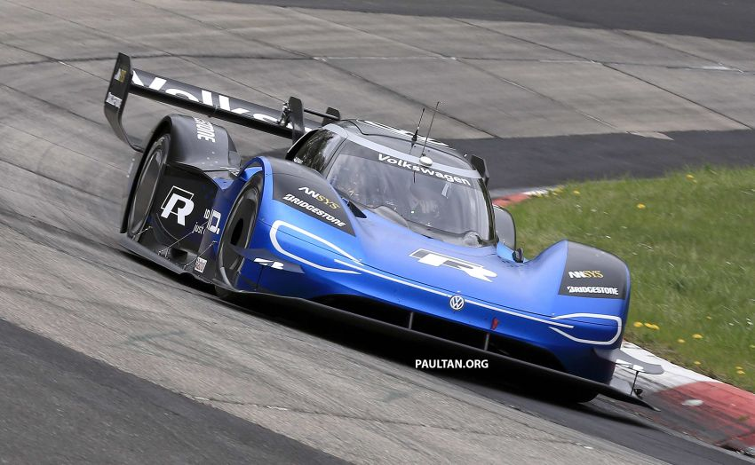 Volkswagen to attempt 'Ring lap record with updated ID.R – revised aero package, battery management Image #954758