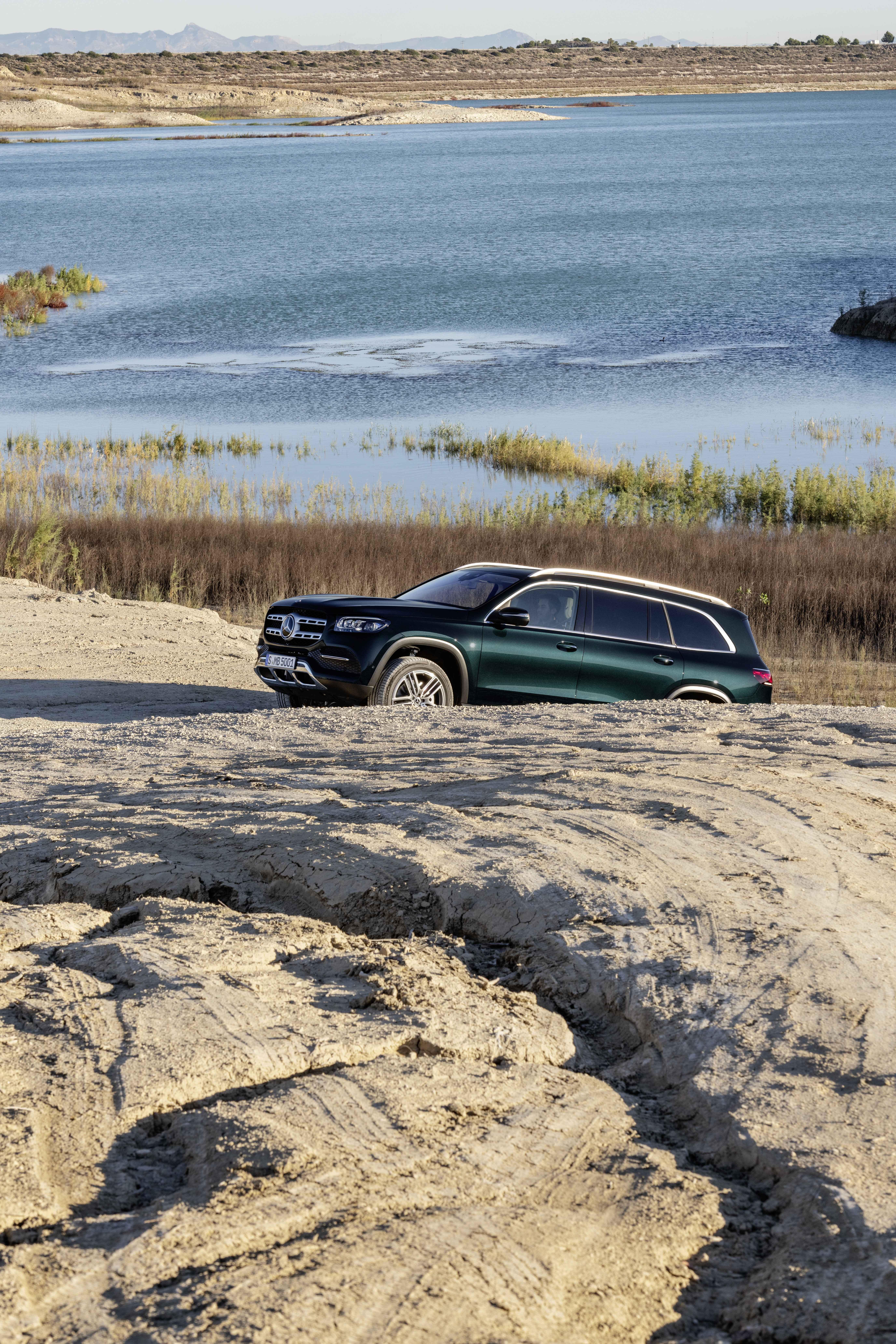 X167 Mercedes-Benz GLS – greater comfort and luxury Paul Tan